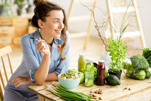 การทานอาหารให้ตรงเวลาเพื่อสุขภาพที่ดี